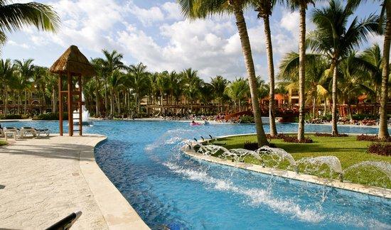 Barcelo Maya Colonial : piscine du coté Tropical