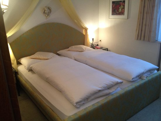 Chalet Kerber: Well made up beds after a day of skiing