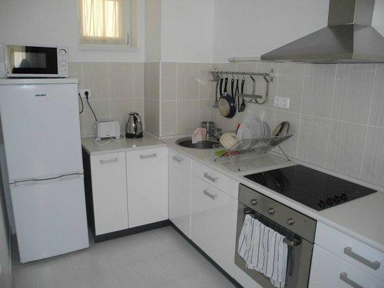 Corvin Plaza Apartments & Suites: Кухня в номере
