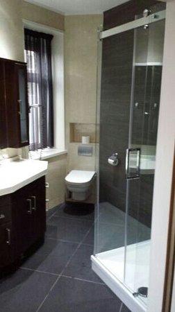 Hotel Sint Nicolaas: Baño