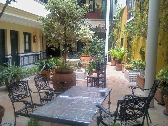 BEST WESTERN Cervantes Hotel -- Seville: Incantevole!!