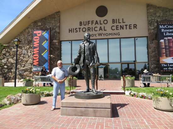 Buffalo Bill Historical Center : Henry in front of museum.