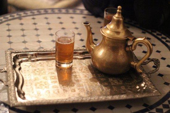 Riad lalla fatima : Te de menta en los desayunos