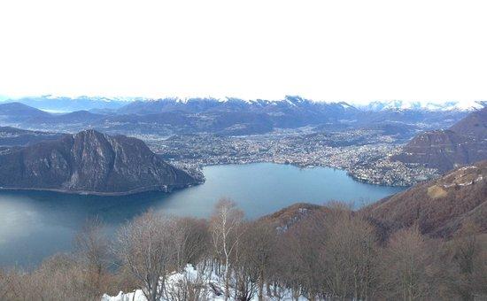 Belvedere della Sighignola: Lugano e monte San Salvatore