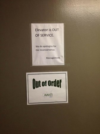 Avanti International Resort: Letrero de ascensor