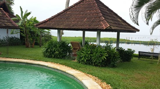 Kumarakom Lake Resort: the view from opposit site of our room