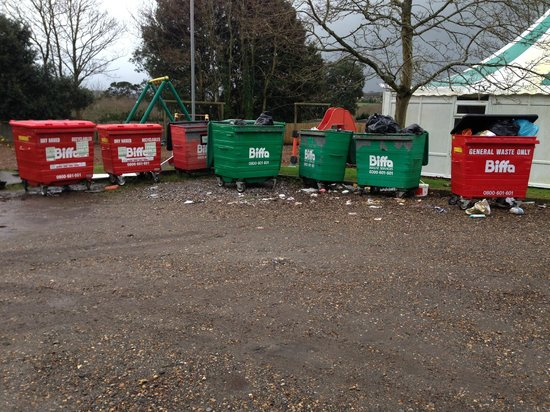 Gurnard Pines: Playpark / bins area - the two are combined