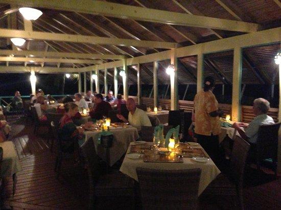 Nisbet Plantation Beach Club: Evening BBQ dining, near the pool