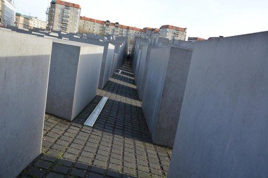 Mémorial aux Juifs assassinés d'Europe : Entre les blocs...