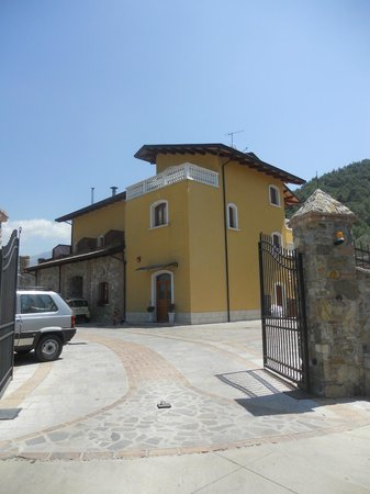 Villa Paolina: our first view of the hotel