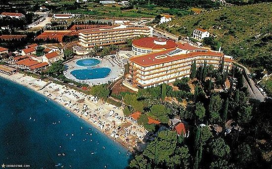 Apartments Dupcic: nearest main Albatros beach