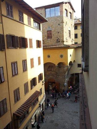 Pitti Palace al Ponte Vecchio: vista dalla camera