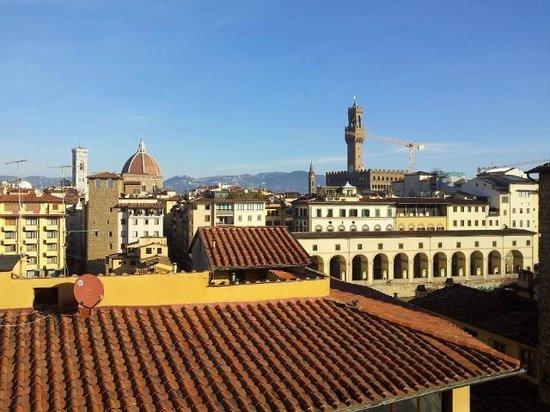 Pitti Palace al Ponte Vecchio : vista dalla sala colazioni