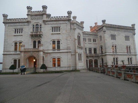 Museo Storico del Castello di Miramare: Il castello