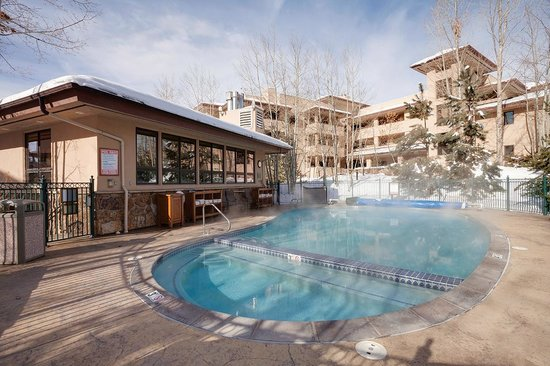 Canyon Creek Condominiums: Canyon Creek Pool and Hot Tub