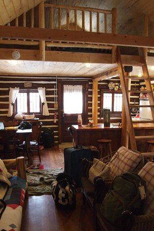 Pioneer Guest Cabins: Sunshine cabin