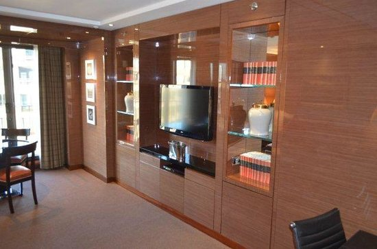 Four Seasons Hotel London at Park Lane: Ambassador Suite