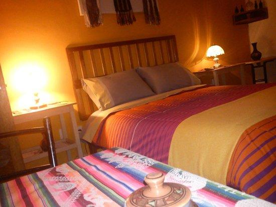 8a Cusco Guest House: Habitaciones amplias y Cálidas
