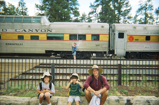 Grand Canyon Railway Hotel: Waiting on the train
