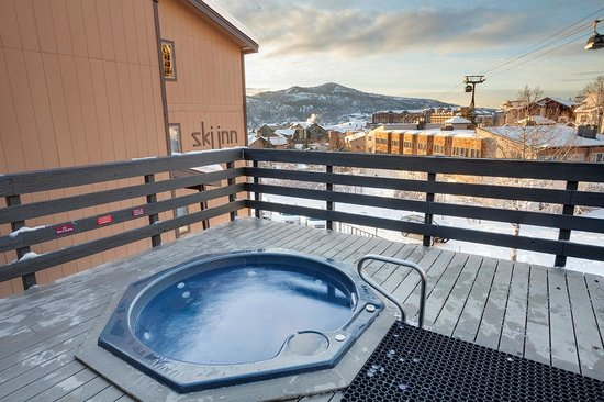 Ski Inn Condominiums: Ski Inn Hot Tubs