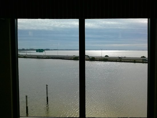 Holiday Inn Express Tampa - Rocky Point Island: View from Hallway