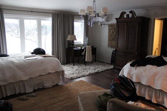 Grail Springs Retreat : Bedroom