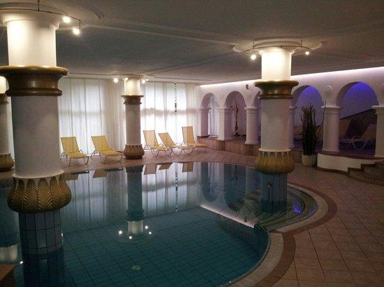 Hotel Residence Tirolensis : Piscina hotel