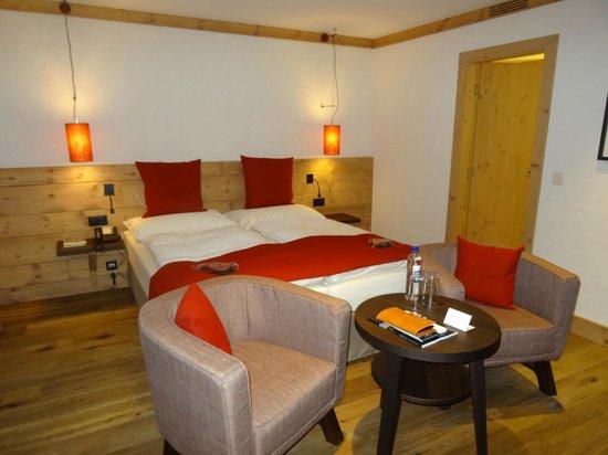 Hotel Spitzhorn: An spacious room