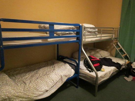 Paddy's Palace Derry: 4-person en suite