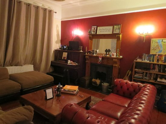 Paddy's Palace Derry: common room