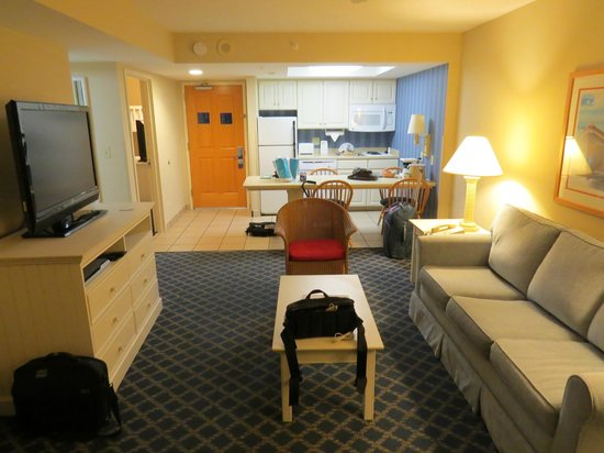 Hampton Inn & Suites Myrtle Beach/Oceanfront: Our suite