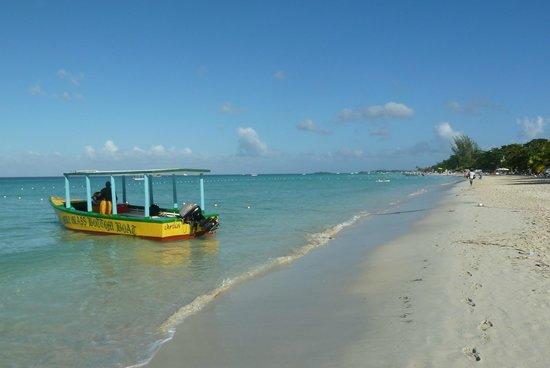 Booby Cay Island: Mike's Boat docked near Nirvana on the 7 mile beach