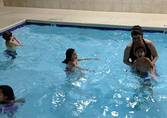 Holiday Inn Express: The whole family had a wonderful time the pool was amazing!