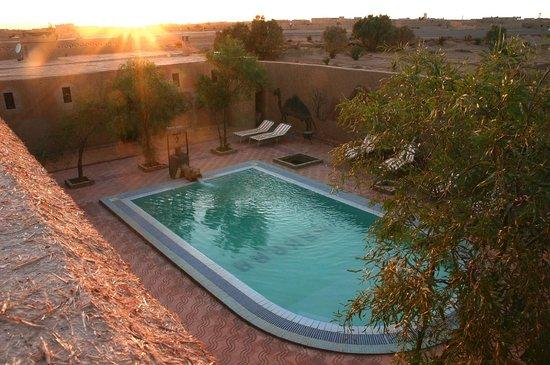 Auberge Camping Sahara: Piscina