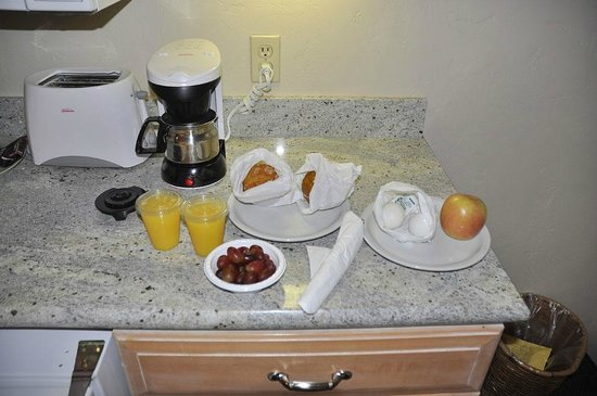 Horizon Inn & Ocean View Lodge: Convenient and decent picnic breakfast