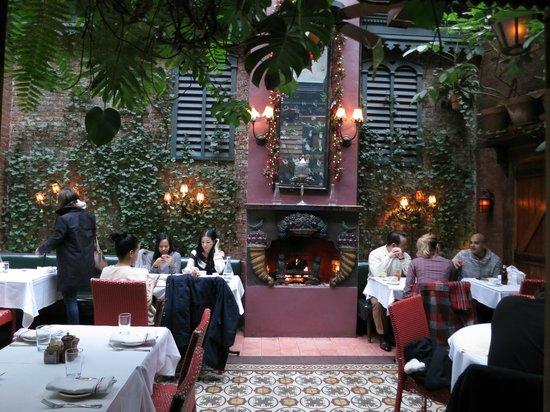 The Waverly Inn and Garden : Comedor exterior (muy frio en invierno)