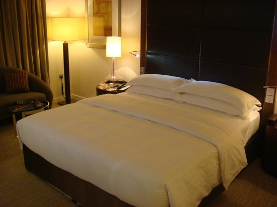 Crowne Plaza Dubai Festival City : Deluxe King bed room #1136_1
