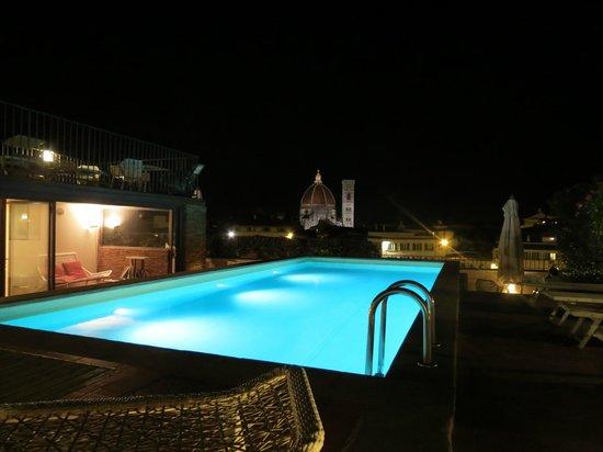 Grand Hotel Minerva: Azotea de noche