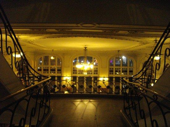 Hotel Soleil Terminus : Vue sur le hall d'entrée