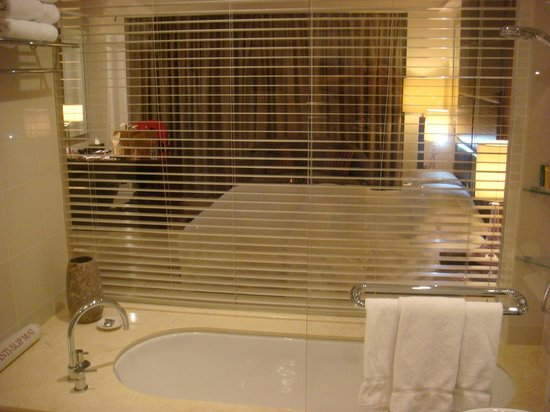 Crowne Plaza Dubai Festival City : Deluxe King bed room #1136_3
