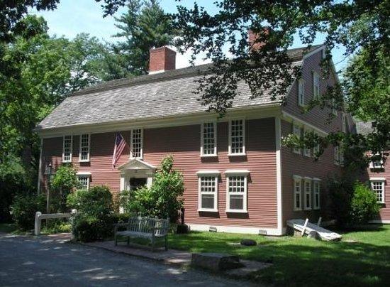 Longfellow's Wayside Inn: The Wayside Inn property in Spring.