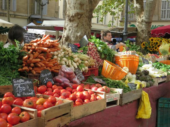 Tastes of Provence - Tours : The market in Aiz