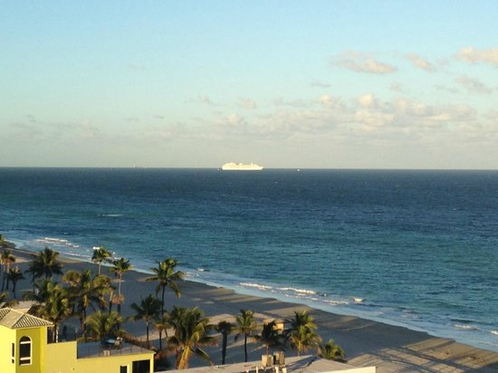 Hollywood Beach Marriott: View from room on north side of building