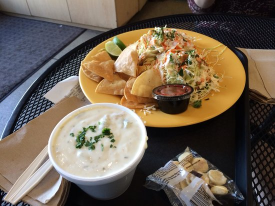 Pier 46 Seafood Market & Restaurant: Fish tacos and clam chowder!
