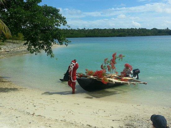 Aquana Beach Resort : Santa comes to Aquana on Christmas Day