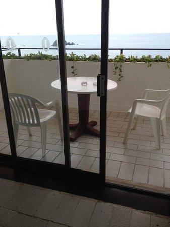 Holiday Inn Resort Ixtapa : Las puertas de los balcones están oxidadas y apenas cierran. Sin contar que las cortinas están r