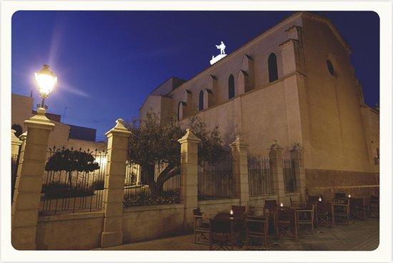 Santa Clara: Terrassa · Terraza · Terrace