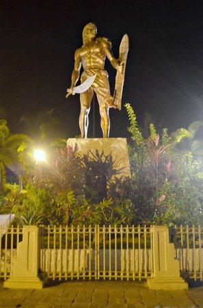Magellan Shrine: Lapu Lapu Monument