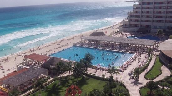 Crown Paradise Club Cancun : vista do quarto