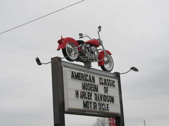 American Classic Motorcycle Museum: Sign out front